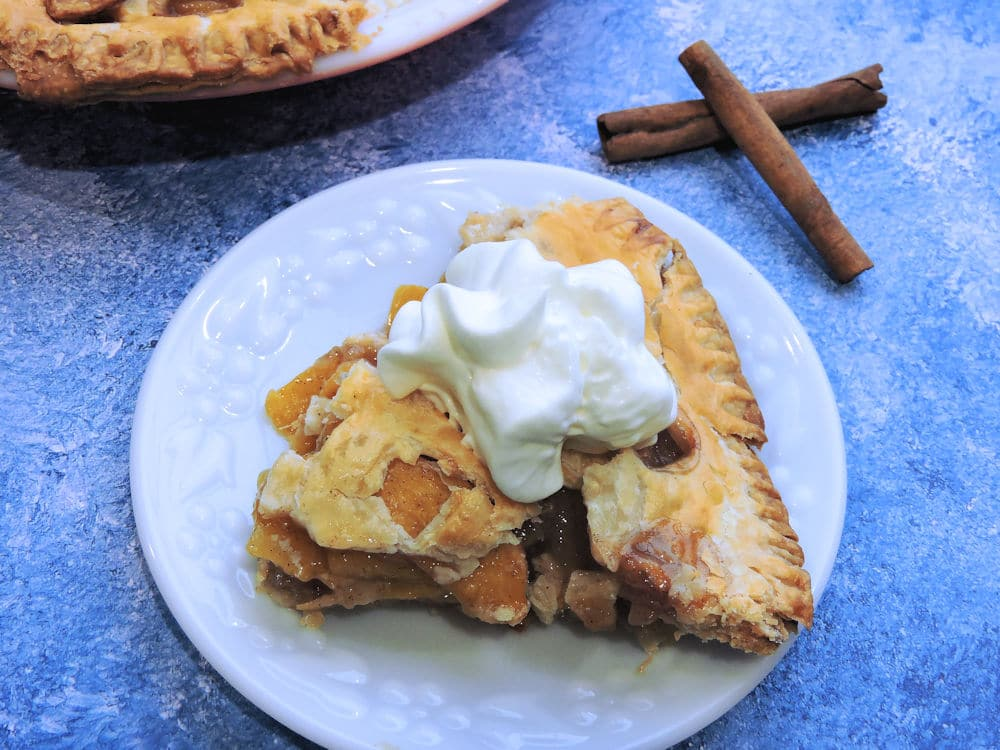 24Bite Recipe: Southern Fresh Peach Pie Recipe by Christian Guzman