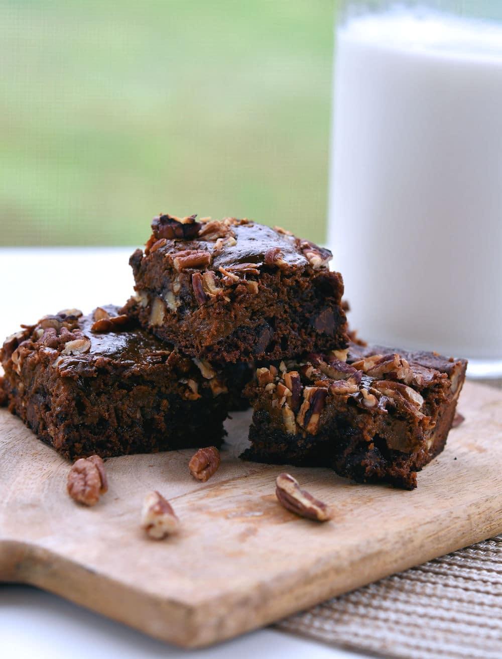 24Bite: Easy Brownies with Caramel Dulce de Leche Recipe by Christian Guzman