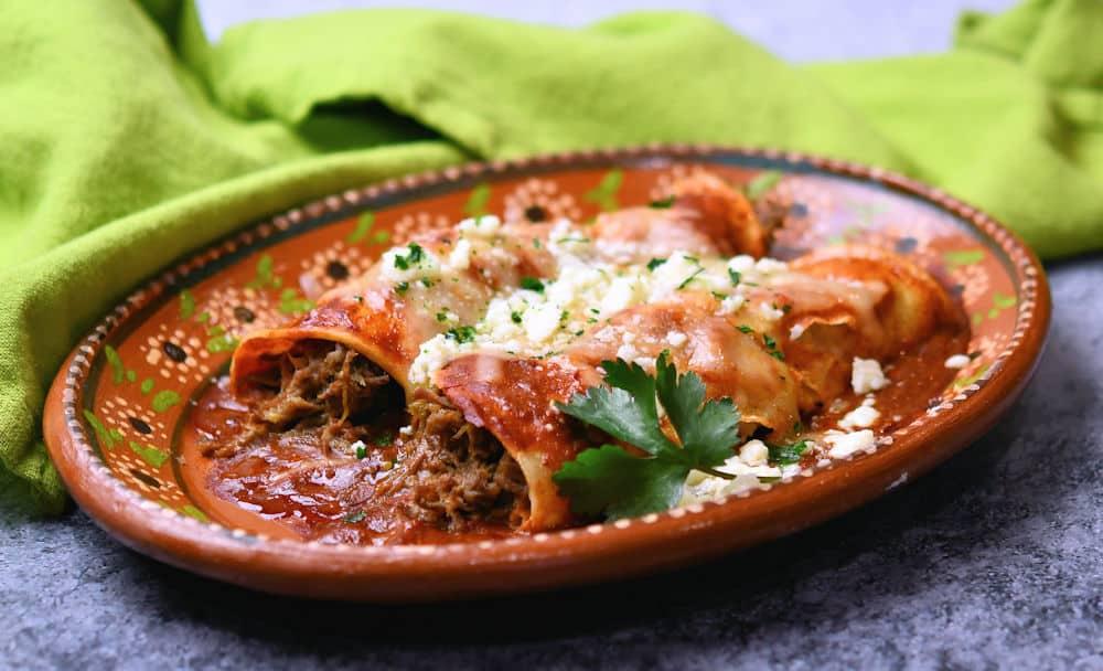 24Bite: Beef Green Chiles Enchiladas Recipe by Christian Guzman