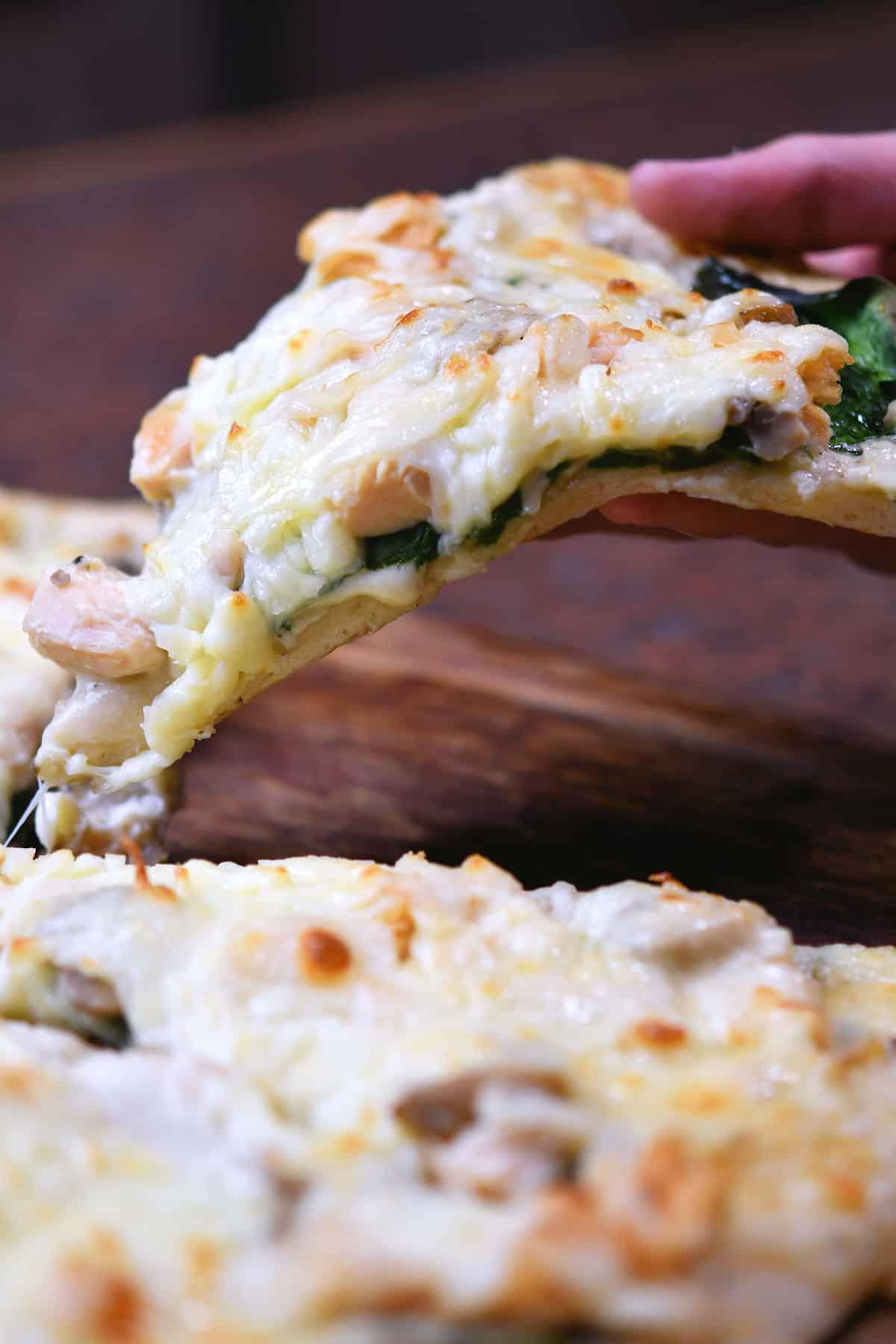24Bite Recipe: Spinach Alfredo Pizza Recipe by Christian Guzman