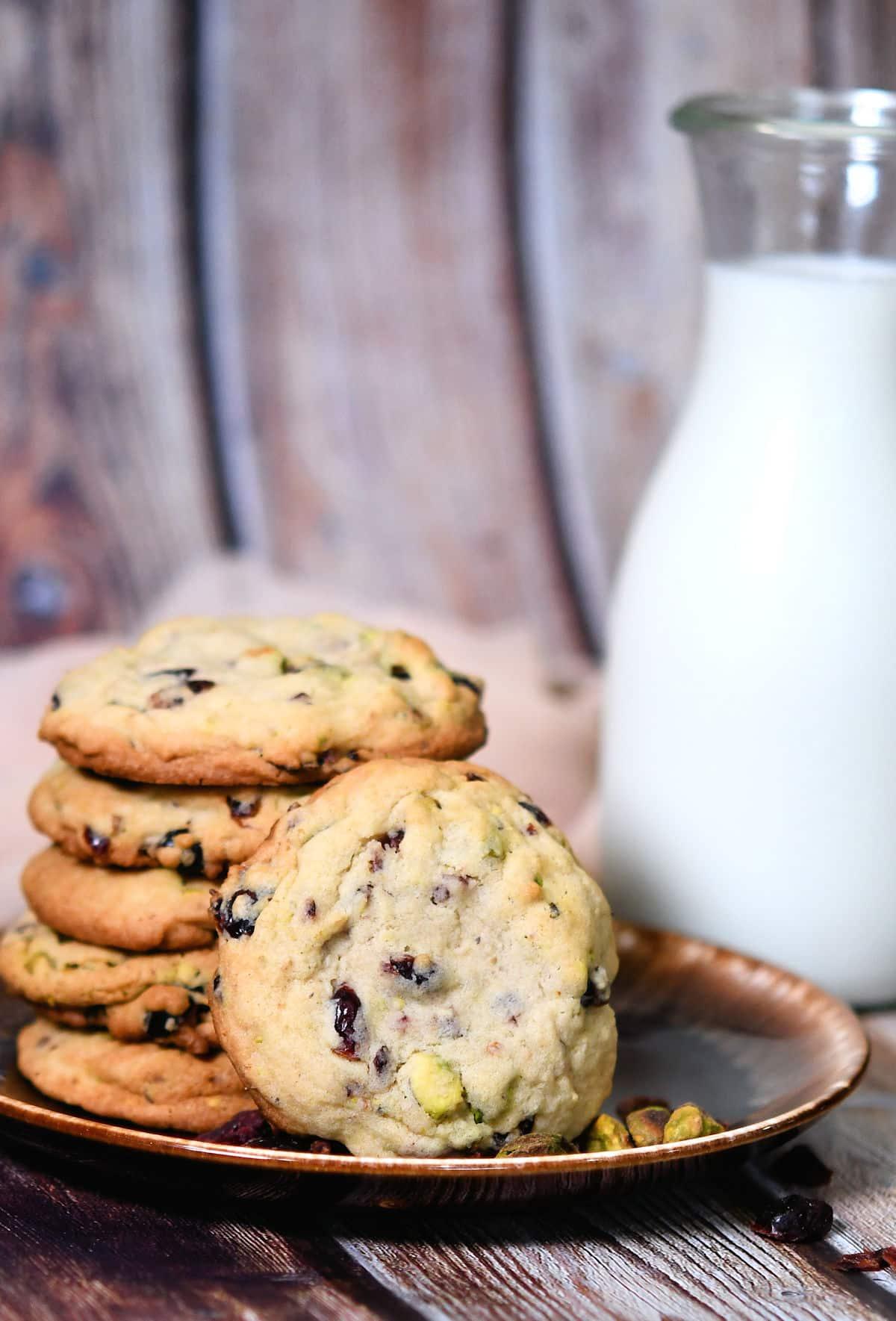 24Bite: Cranberry Pistachio Cookies with Craisins Recipe by Christian Guzman
